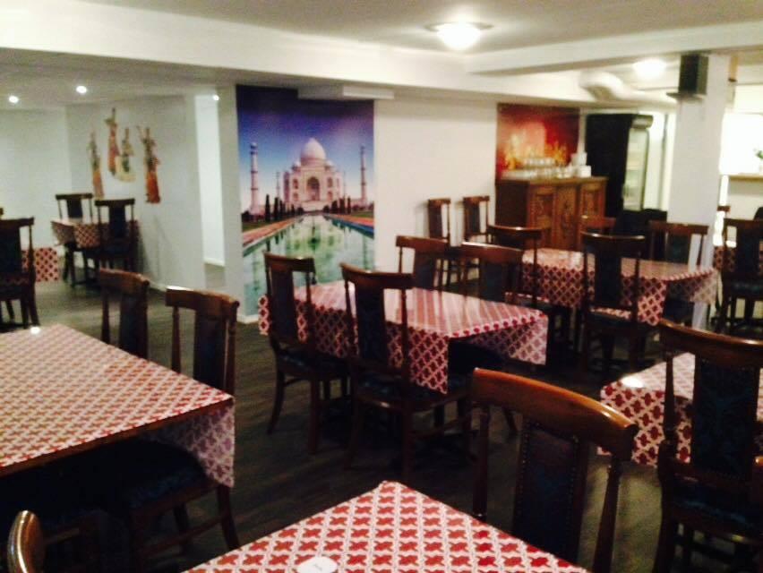 Restauranglokal med bord