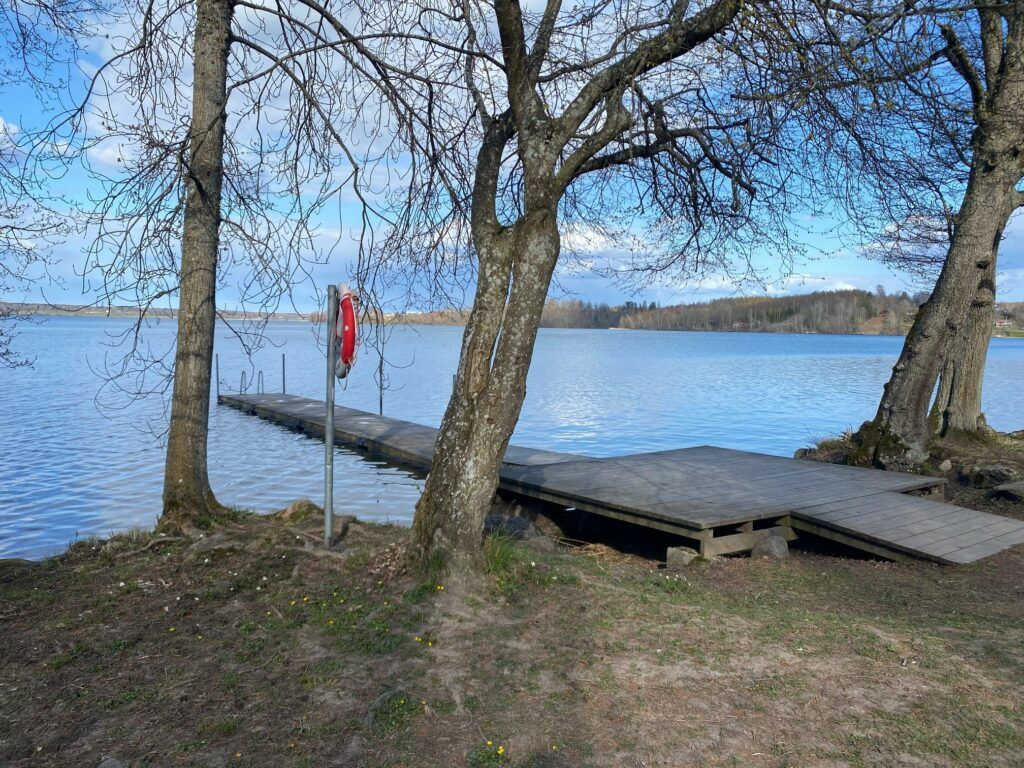 Brygga i sjö
