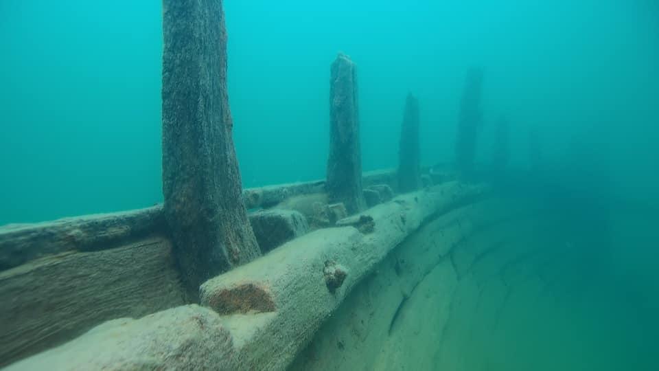Ett vrak under vatten
